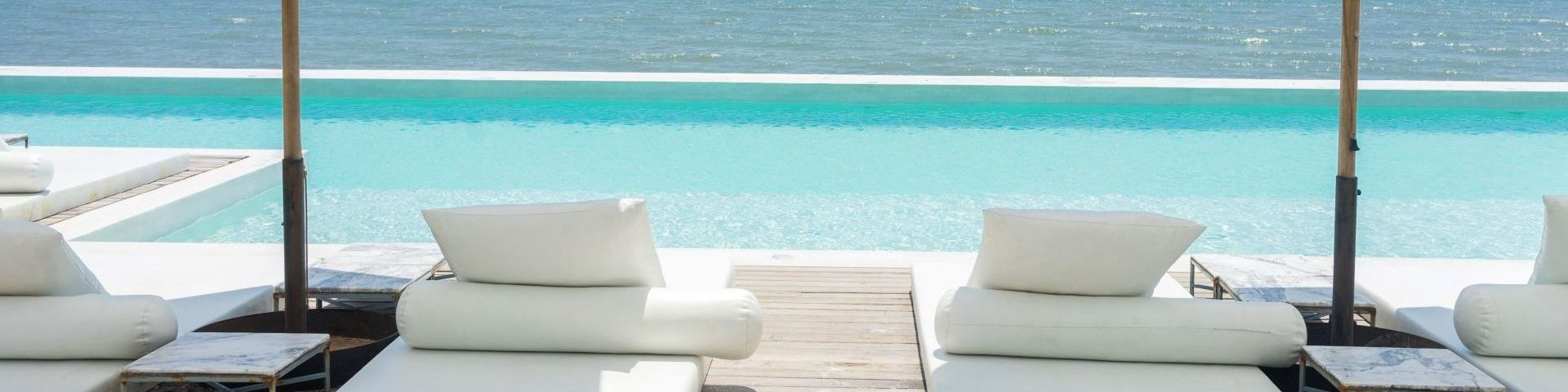HolidayCheck Award Hotels entdecken!